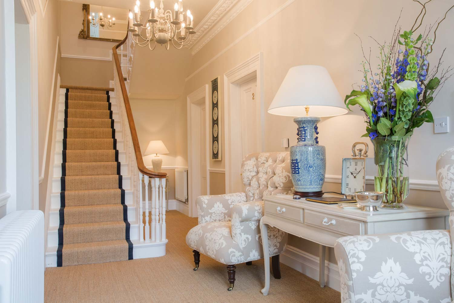 Gallery of images for grays bath b b a boutique bed for Boutique bed breakfast